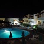 Mikri Poli, horní bazén v noci